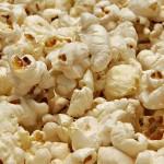 Si ammala a causa dei popcorn e vince la causa per 7,2 milioni di dollari