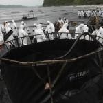 Sversamento di petrolio in Thailandia: le foto di Greenpeace