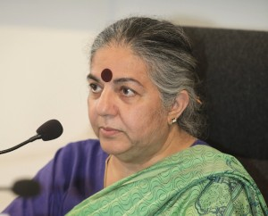 Vandana Shiva firma Carta Universale dei Diritti della Terra Coltivata
