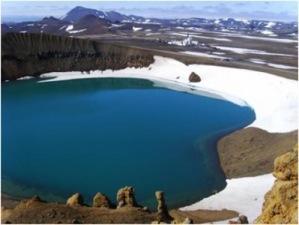 Sito di perforazione del IDDP-1 nella caldera del cratere del vulcano Viti (che, in islandese, significa 'inferno'), il cui primo evento esplosivo avvenne nel 1724 (crediti: Guomundur O. Frioleifsson)