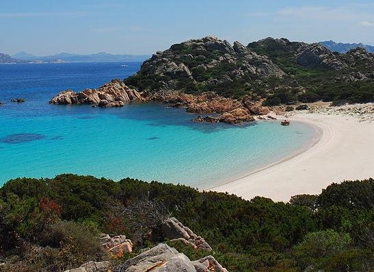 Spiaggia_rosa,_isola_di_budelli,_sardegna (1)