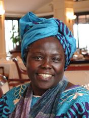 Wangari Maathai. Foto: Martin Rowe