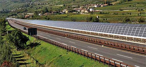 Pannelli fotovoltaici sulle barriere fonoassorbenti dell'autostrada A22