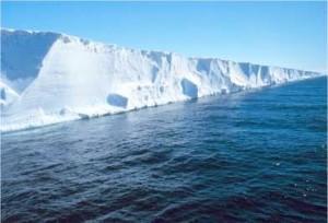 Antartide: la piattaforma di ghiaccio del Nansen da' vita a due grandi icebergs