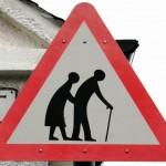 Anziani, sempre di più all'estero per le cure sanitarie