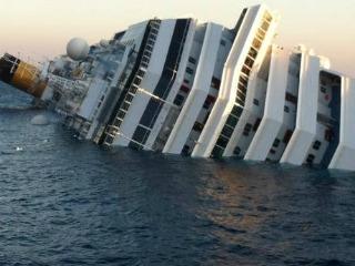 Costa Smeralda naufragata