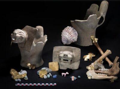 Tipiche offerte rinvenute presso l'Isola del Sole, nel Lago Titicaca, incluse pietre lavorate, bruciatori d'incenso e ossa animali (crediti: Teddy Seguin)