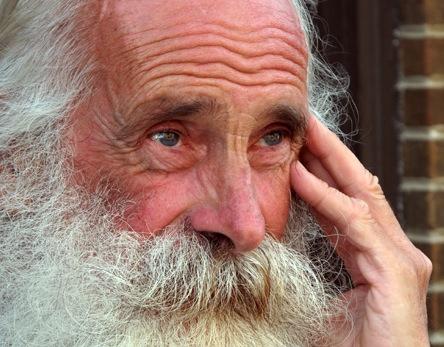 Risultati immagini per anziano saggio