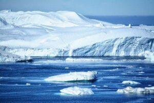 Misurate dallo spazio le perdite di ghiaccio di Groenlandia e Antartide in 16 anni