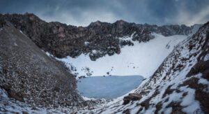 Il lago Rookpund, sull'Himalaya e l'enigma degli scheletri