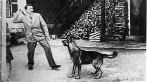Hitler con cane