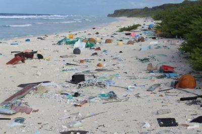 isola-contaminata-plastica