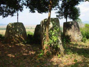 Indagini sulle misteriose giare in pietra del Laos