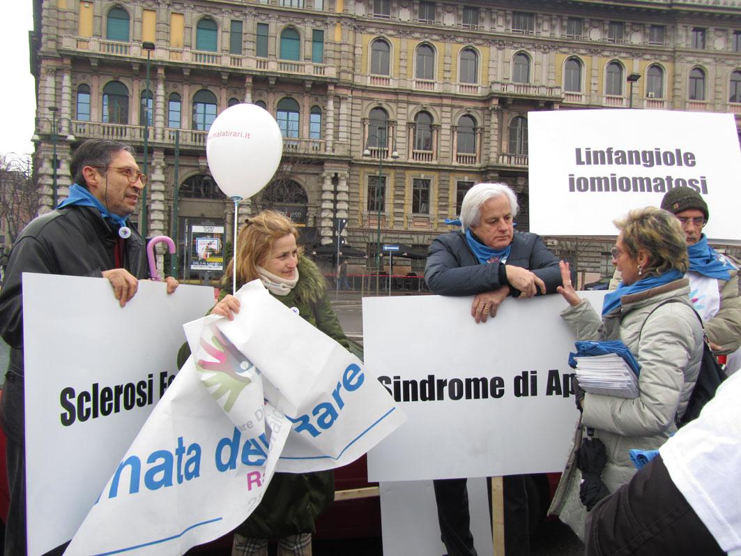 Malattie rare, corteo a Milano. Crediti: uniamo.org