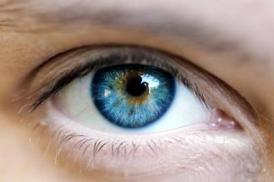 persone con occhi azzurri