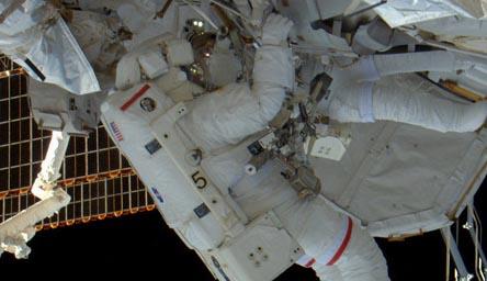 Prima passeggiata spaziale