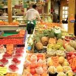 Con l'assicurazione sanitaria sconti su frutta e verdura. E giova alla dieta