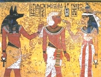 La crescita microbica nella tomba di tutankhamen suggerisce una