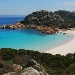 Isola di Budelli in vendita per 3 milioni di euro: meglio pubblica o privata?