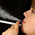 Sigarette elettroniche, chi le usa ha più probabilità di smettere